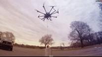 Dron cocina un pavo para navidad